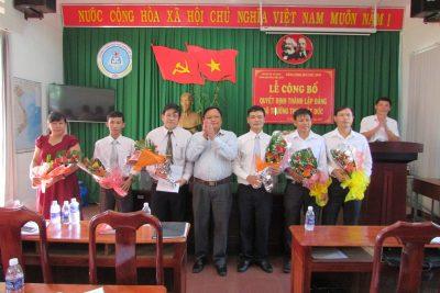 Lễ công bố quyết định thành lập Đảng bộ Trường THPT Việt Đức